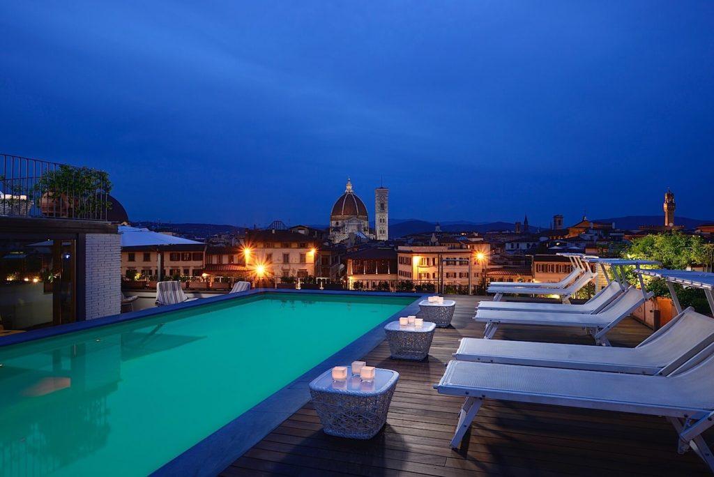 Terrazza panoramica con piscina Grand Hotel Minerva Firenze