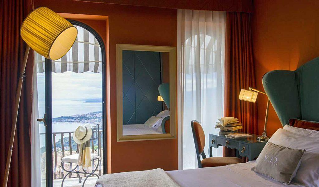 Camera Superior con terrazzino vista mare - Boutique Hotel Taormina