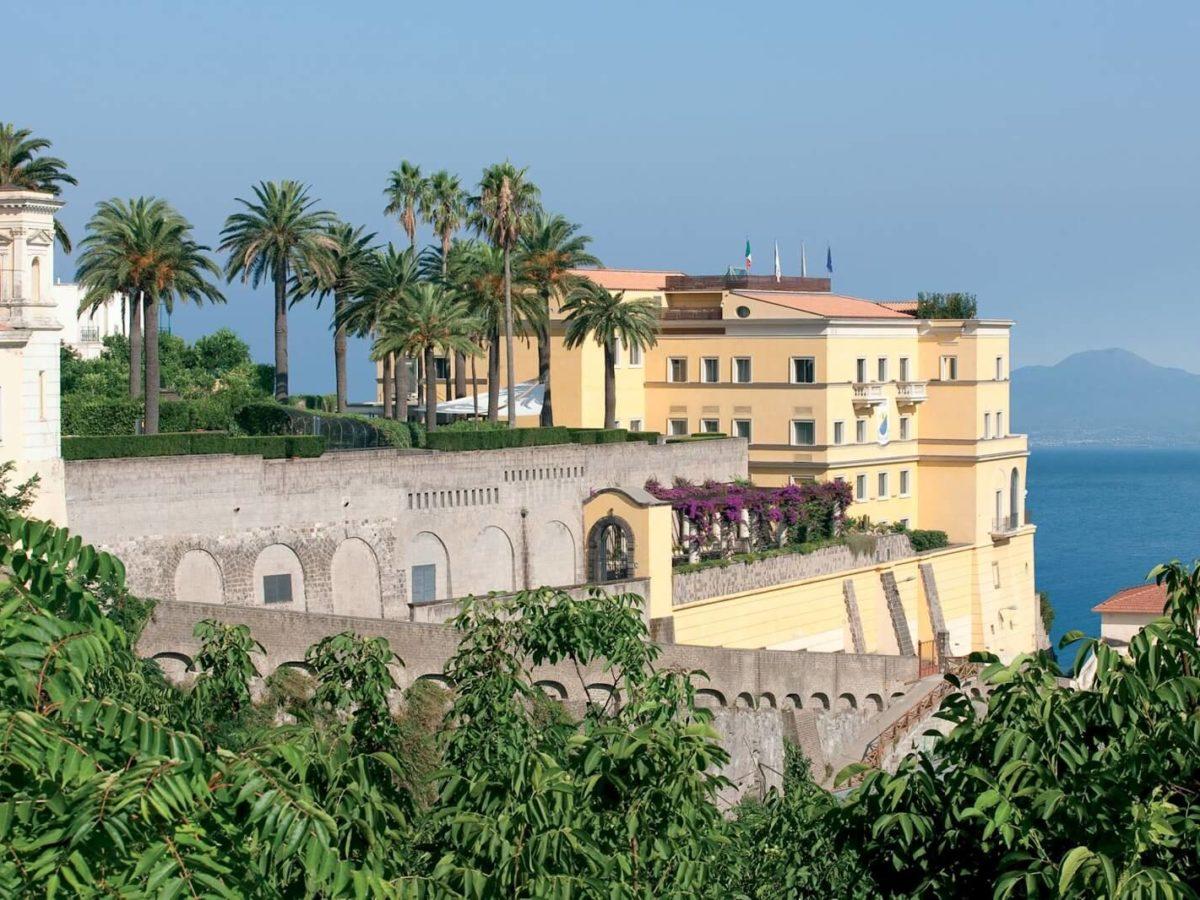 Grand Hotel Angiolieri Seiano di Vico Equense (Sorrento), relax e lusso con vista mare sul Golfo di Napoli